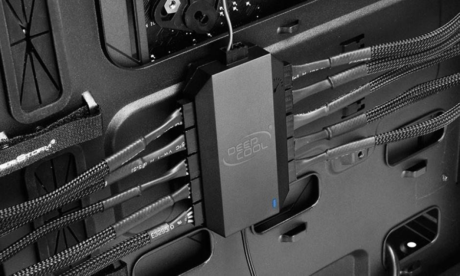 Imagine Adaptor (HUB) SATA 15 pini la 10 x ventilator 3/4 pini PWM, Deepcool FH-10-4
